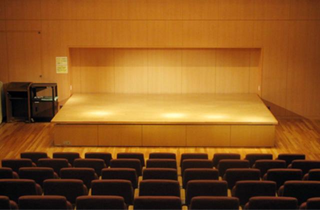 多目的室(舞台)
